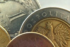 Komentarz do rynku złotego - złoty czeka na decyzję RPP